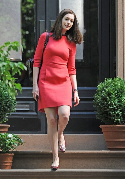Anne hathaway photos photos anne hathaway on the set of the intern