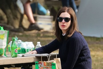 Anne Hathaway Anne Hathaway Filming 'The Intern' In NYC