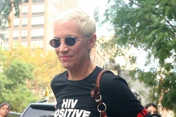 Annie Lennox Annie Lennox Steps Out in NYC