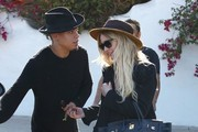 Ashlee Simpson and Evan Ross Get Lunch