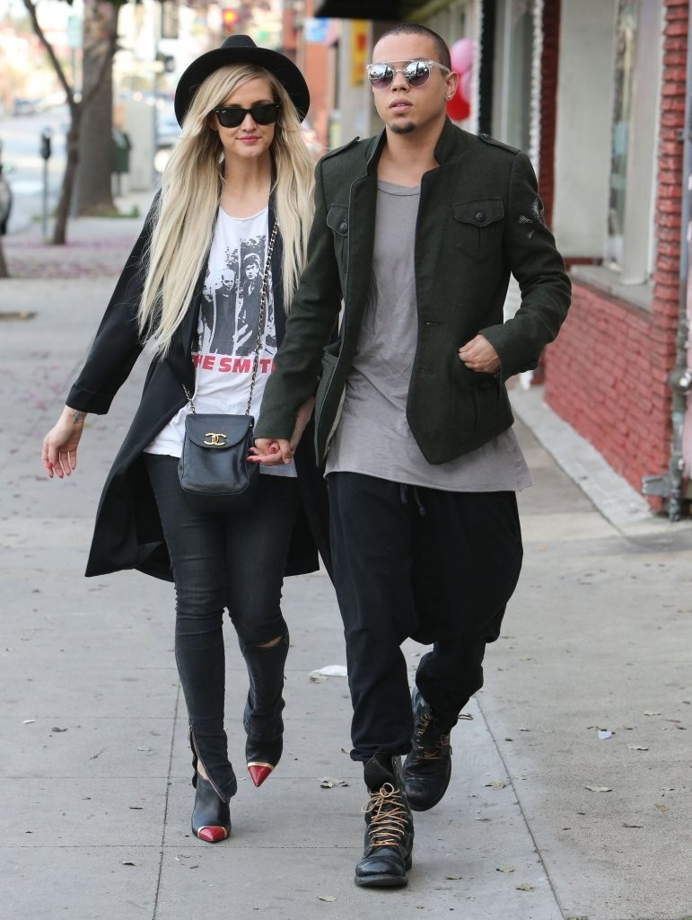 Ashlee Simpson Vintage Look