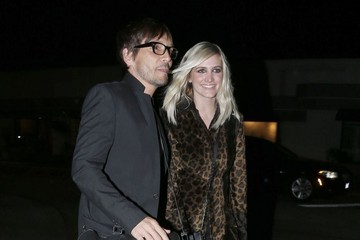 Ashlee Simpson Ashlee Simpson Leaves the Ken Paves Salon