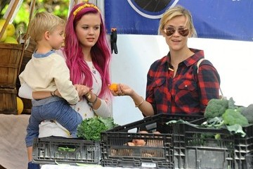 Ava Phillippe Reese Witherspoon Spends the Day with Family