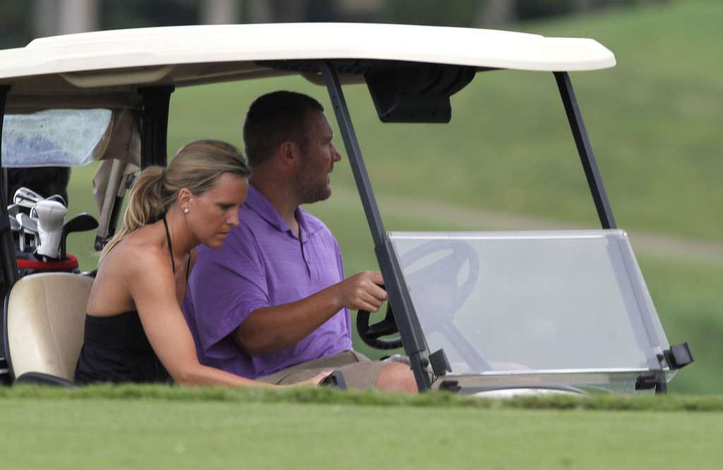 Ben roethlisberger and wife playing golf in hawaii pictures
