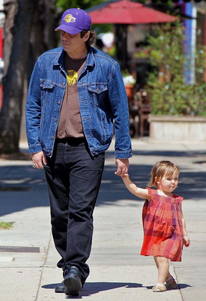 Photo of Benicio Del Toro & his  Daughter  Delilah del Toro
