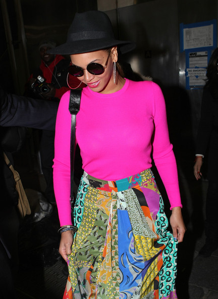 Beyonce tout en couleur (29/03) Beyonce+Brightens+Up+New+York+6OlEIR7f_Y6l