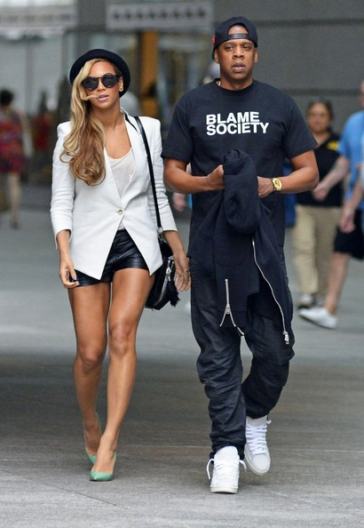 Couple Beyonce and Jay-Z out on a movie date to watch 'Iron Man 3' in Battery Park in New York City, New York on June 2, 2013