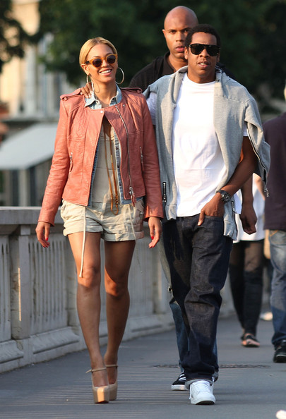 Beyonce Knowles - Beyonce & Jay-Z Enjoying Paris