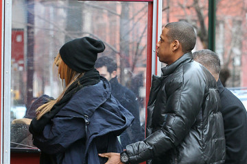 Jay-Z Blue Ivy Carter Beyonce, Jay-Z And Daughter Blue Ivy Out For Lunch In New York