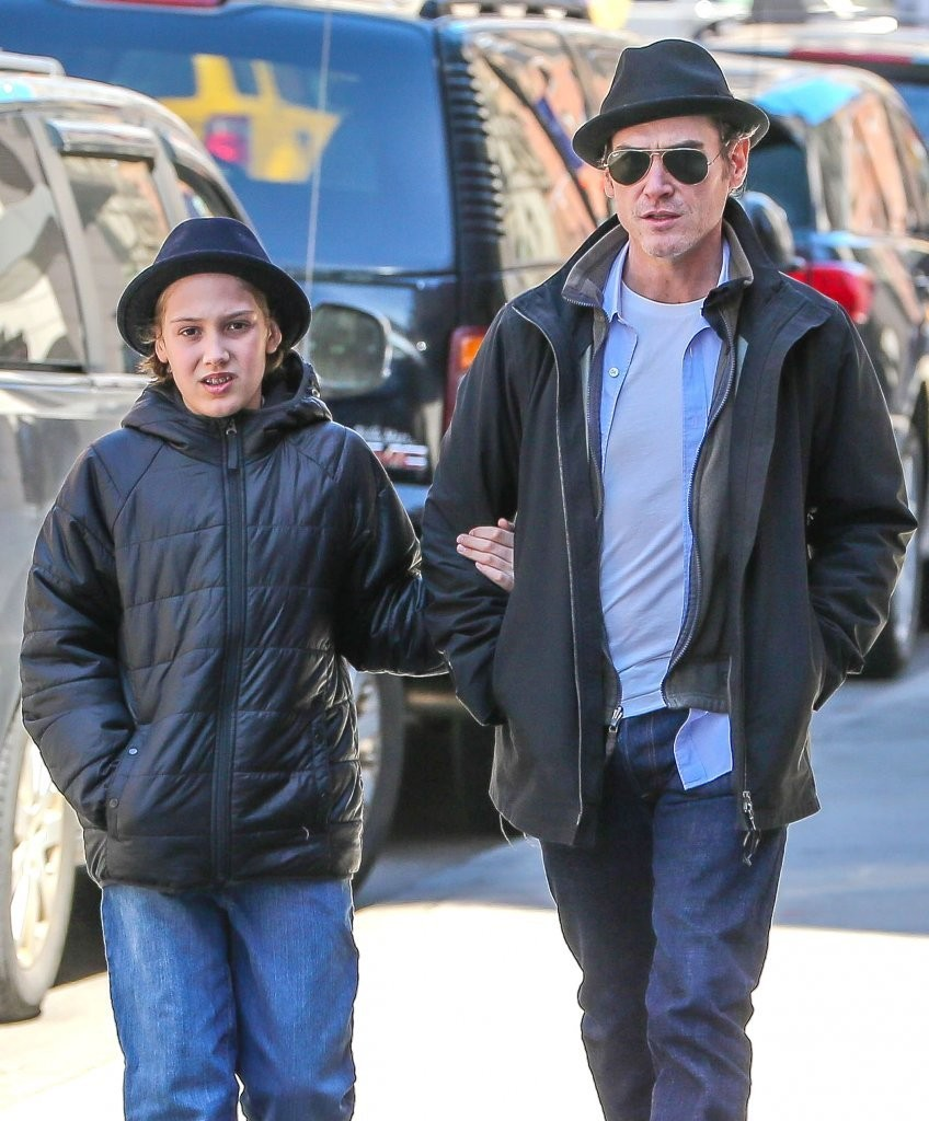 Billy crudup out for a stroll in nyc pictures