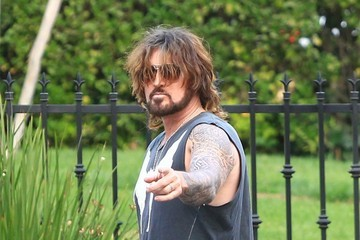 Billy Ray Cyrus Billy Ray Cyrus Shows Off His Wheels
