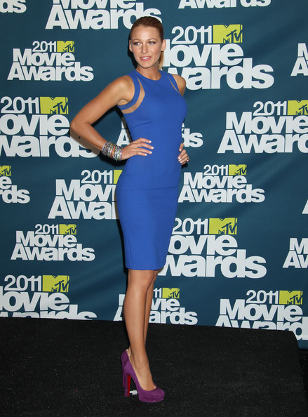 http://www4.pictures.zimbio.com/fp/Blake+Lively+2011+MTV+Movie+Awards+Press+Room+HsfNKhMVw8Bl.jpg