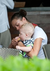 Lilly Becker Amadeus Becker Boris and Lilly Becker Having Lunch Outdoors In Miami With Baby Amadeus