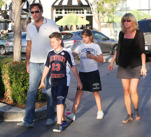 Brad Garrett Actor Brad Garrett and his kids Maxwell and Hope out with    Brad Garrett Family