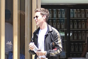 Brad Goreski Brad Goreski Grabs Some Juice After Some Shopping