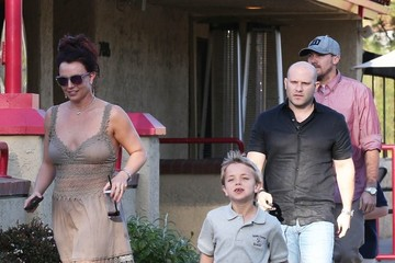 Britney Spears David Lucado Britney Spears Lunches At Red Robin With Her Family