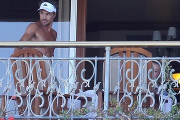 Britney Spears Jason Trawick Britney Spears And Jason Trawick Relaxing On The Balcony In Maui
