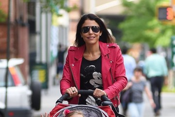 Bryn Hoppy Bethenny Frankel Takes a Stroll in NYC