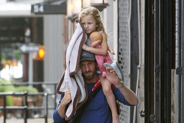 Bryn Hoppy Jason Hoppy Out with HIs Daughter in NYC