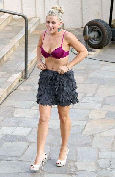 Actress Busy Philipps is spotted dancing around in a bra and skirt while on the set of 'Cougar Town' in Hawaii.