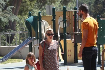 Busy Philipps Cricket Silverstein Busy Philipps and Family Spend the Day at the Park
