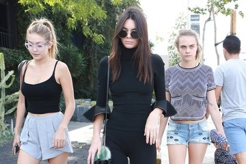 Cara Delevingne Kendall Jenner Out For Lunch With Friends in West Hollywood