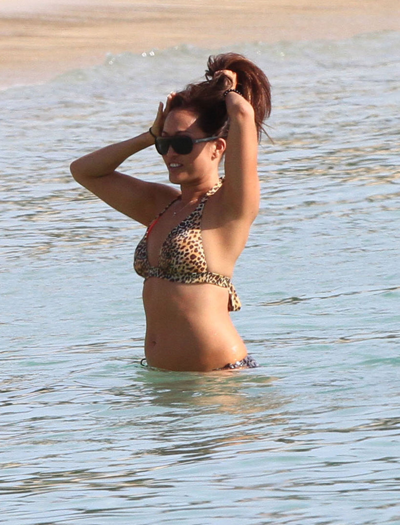 Carrie Ann Inaba Looking Sexy In Hawaii 31 Of 39 Zimbio