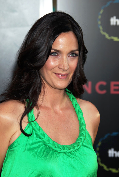 Carrie-Anne Moss Photo...