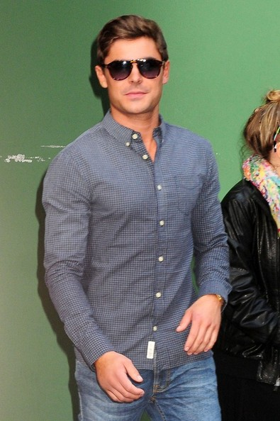 Celebs Stop by    Zac Efron 2013