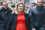 Kelly Clarkson Drops by 'GMA'