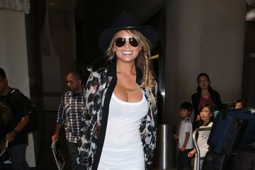 Chrissy Teigen Chrissy Teigen Catches a Flight at LAX