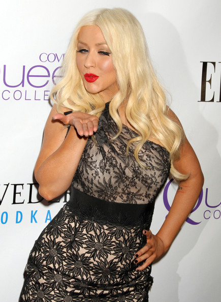 http://www4.pictures.zimbio.com/fp/Christina+Aguilera+2nd+Annual+Mary+J+Blige+9TjCZvw8a-3l.jpg