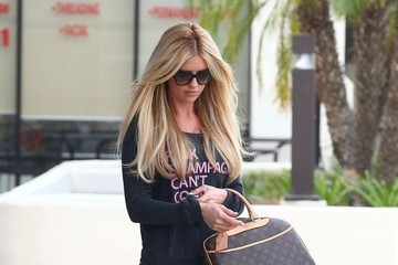 Christina El Moussa Christina El Moussa Stops By A Dermatologist Office