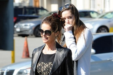 Christina Schwarzenegger Maria Shriver Gets Lunch with Her Daughter