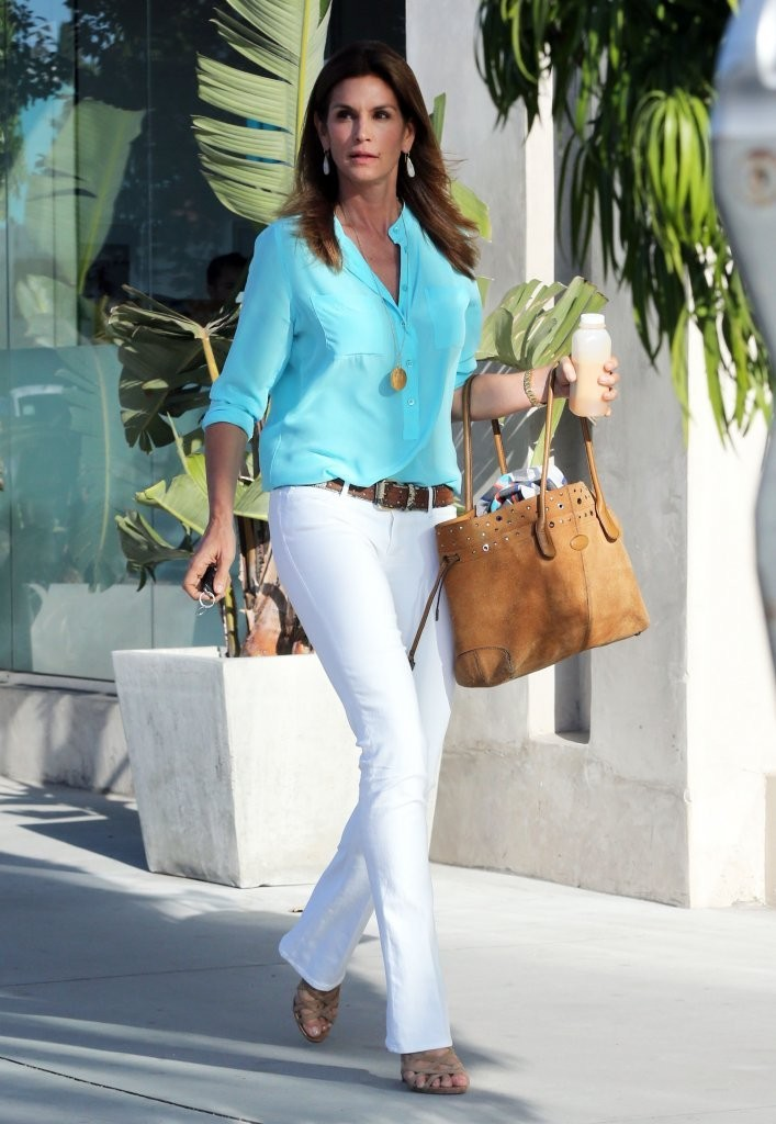 Cindy Crawford Photos Photos Cindy Crawford Stops By The