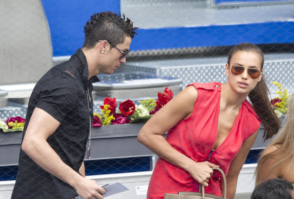 ronaldo soccer dating Hollywoodlifecom can exclusively confirm that cristiano ronaldo's girlfriend is pregnant with his fourth child.