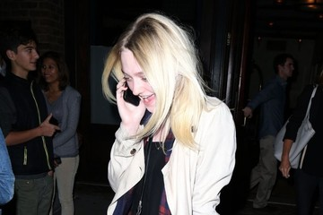 Dakota Fanning Dakota Fanning & Kristen Stewart On A Night Out In NYC