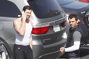 Maksim Chmerkovskiy Tony Dovolani Dancing With The Stars Dancers Chat After Practice