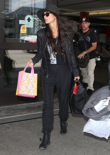 Demi Moore - Demi Moore Arriving On A Flight At LAX