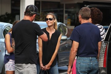 Denise Richards Lola Sheen Denise Richards Takes Her Family Out For Lunch
