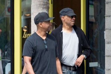 Denzel Washington Denzel Washington Lunches With A Friend In Venice