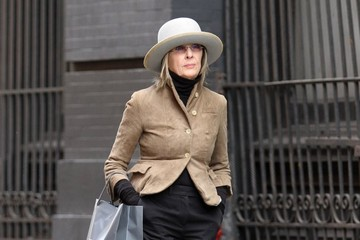 Diane Keaton Diane Keaton Shopping in NYC