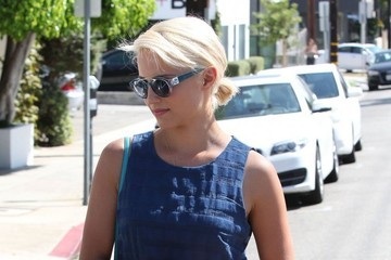 Dianna Agron Dianna Agron Out For Lunch In West Hollywood