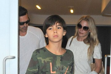 Eddie Cibrian LeAnn Rimes and Family at LAX