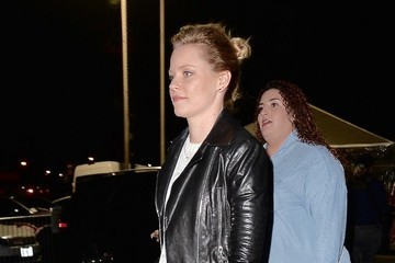 Elizabeth Banks Celebrities Attend Rihanna's Concert