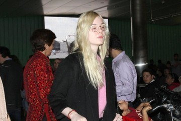 Elle Fanning Elle Fanning Arriving At LAX