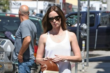 Emily Blunt Emily Blunt Stops by the Salon