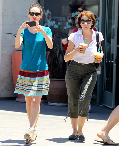 Photo of Emmy Rossum & her Mother   Cheryl Rossum