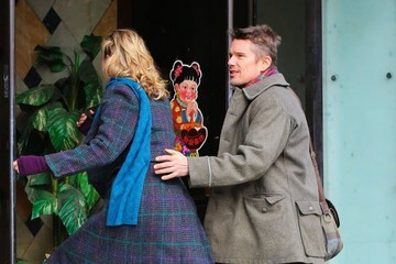 Ethan Hawke Greta Gerwig Scenes from the Set of 'Maggie's Plan'