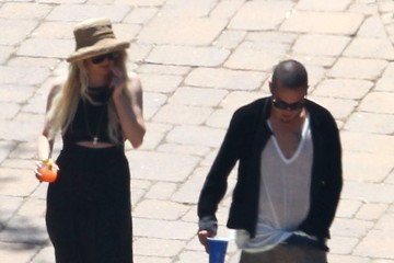 Evan Ross Ashlee Simpson and Evan Ross Hang Poolside
